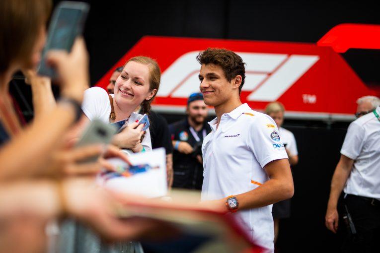 F1 | マクラーレンF1、レース休止期間中にファンを楽しませる「新たな創造的なプラン」を検討