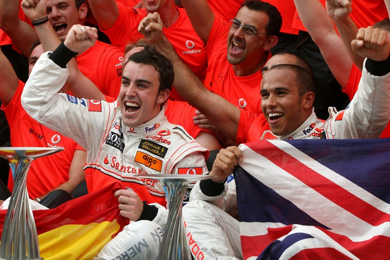 2007年F1マレーシアGP フェルナンド・アロンソとルイス・ハミルトン(マクラーレン)