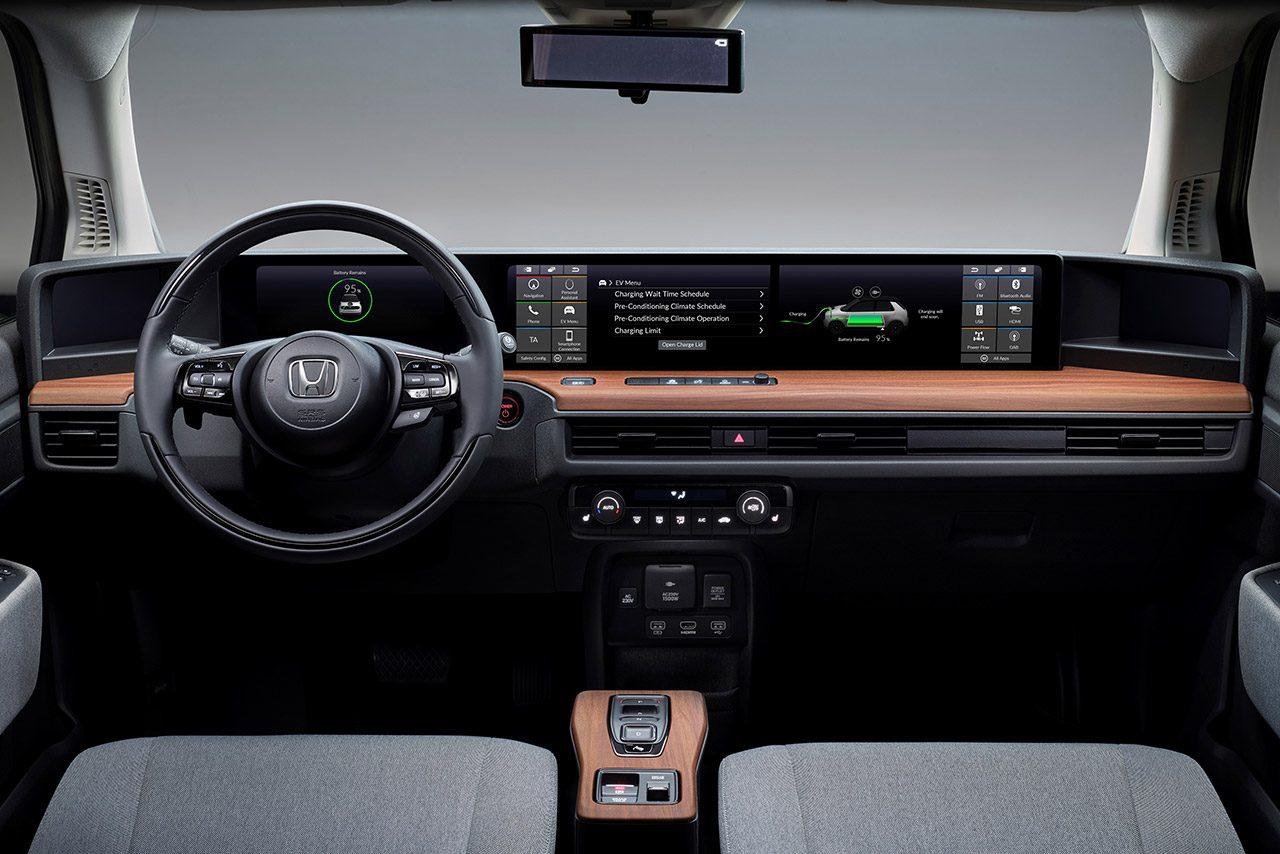 『Honda e』『CBR1000RR-R FIREBLADE』が2020年レッド・ドット・デザイン賞を受賞。ホンダeは自動車カテゴリーで最高賞