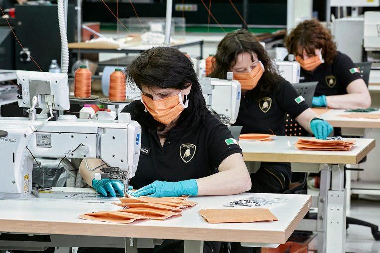 クルマ   ランボルギーニ、新型コロナ対策で生産工場の一部を医療用マスクと保護シールドの生産に転換