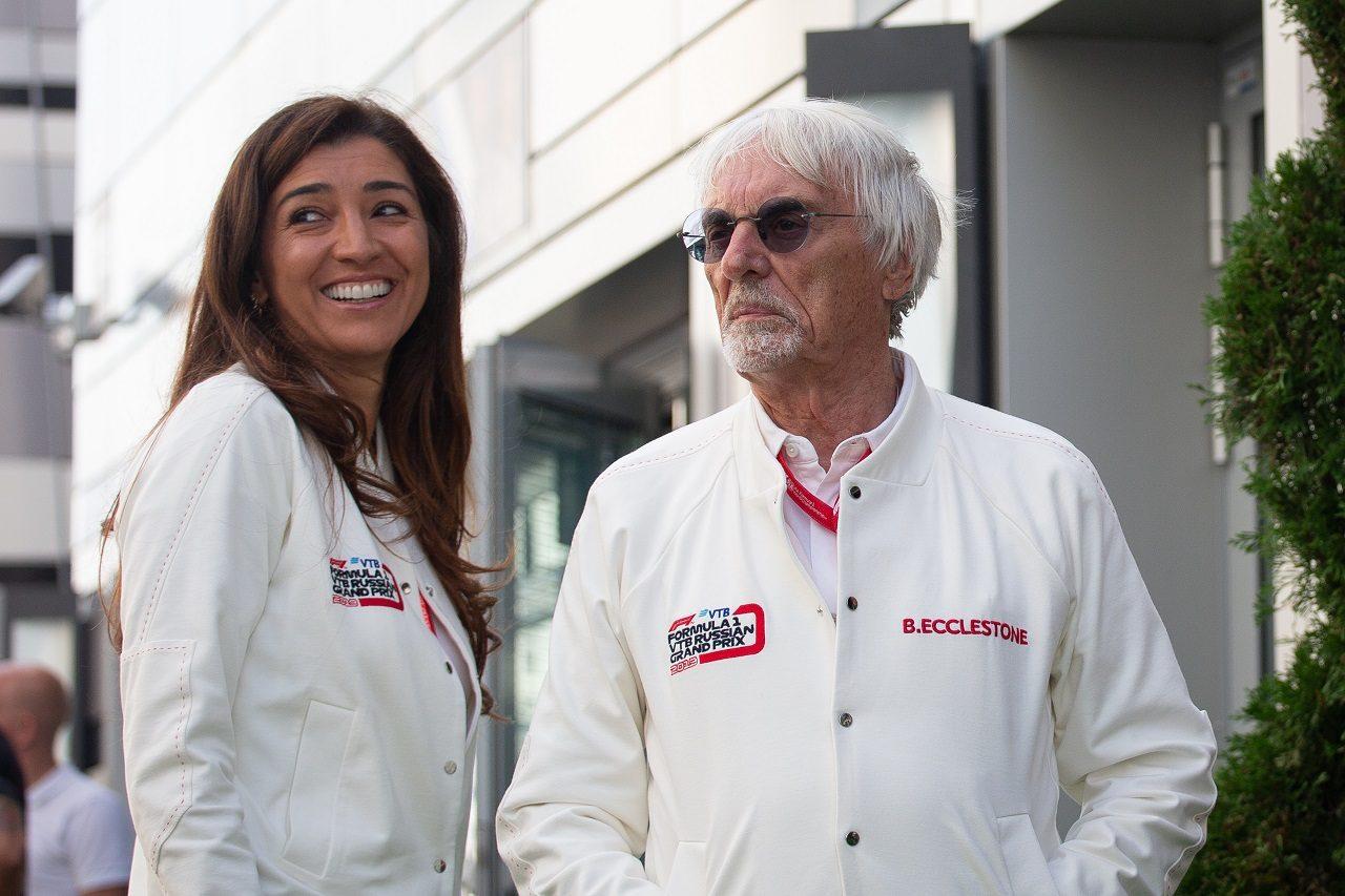2019年F1ロシアGPでのバーニー・エクレストンと妻ファビアナさん