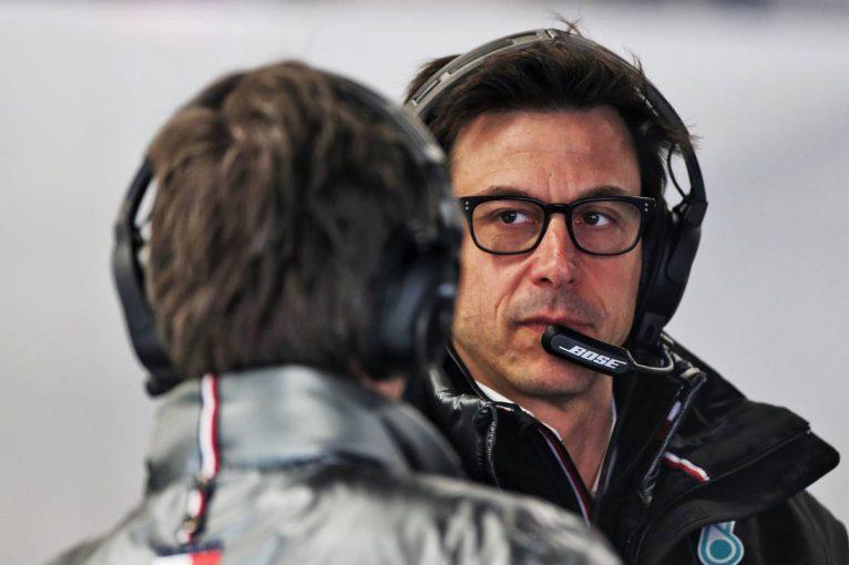 F1 | メルセデスF1のウォルフ代表、アストンマーティンで上級職就任の噂を「根拠がない」と否定
