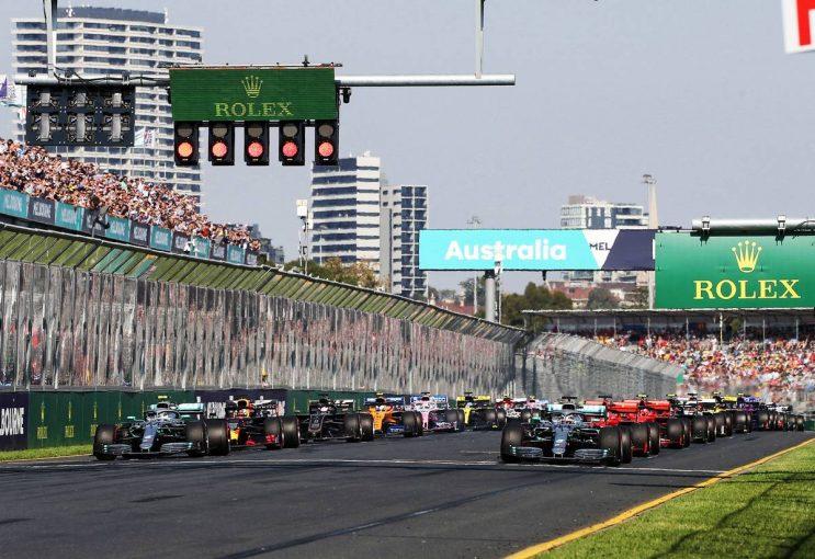 F1 | F1バーチャルGPをサッシャの日本語実況で見よう! DAZNが『Re-LIVE』配信を開始