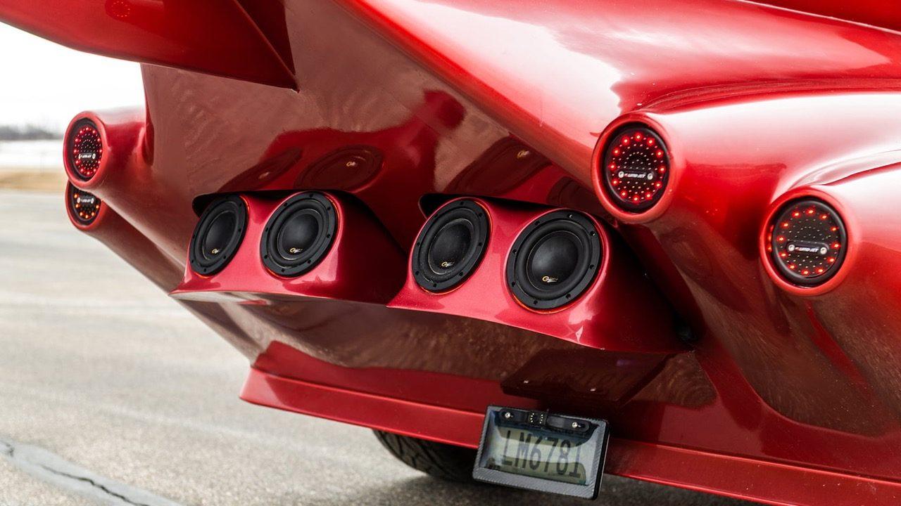 米実業家、プライベートジェットを車に改造しオークションに出品へ