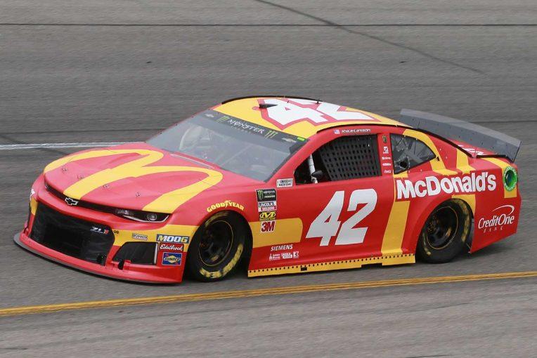 海外レース他 | NASCAR:eスポーツで人種差別発言のカイル・ラーソンが解雇に。マクドナルドも契約解除