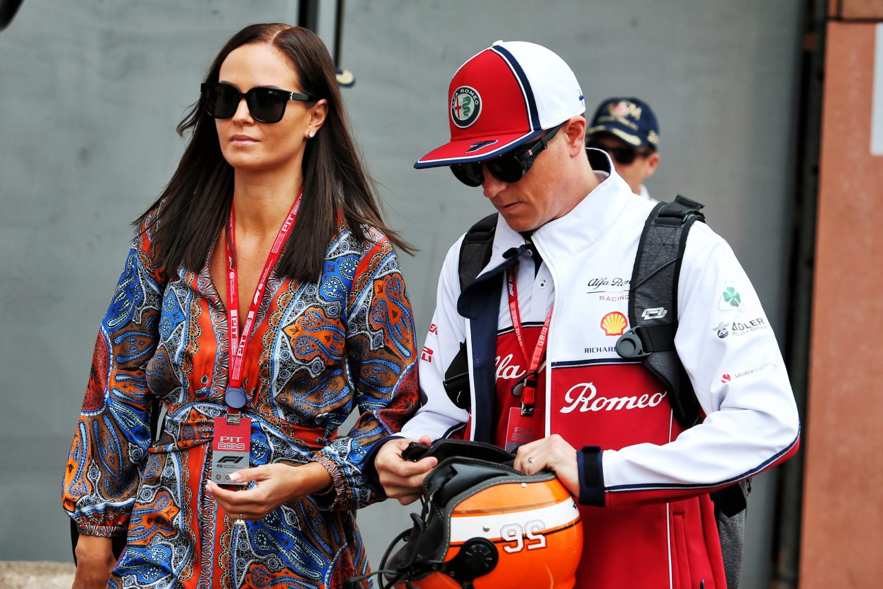 2019年F1モナコGPでのライコネンと妻ミントゥ