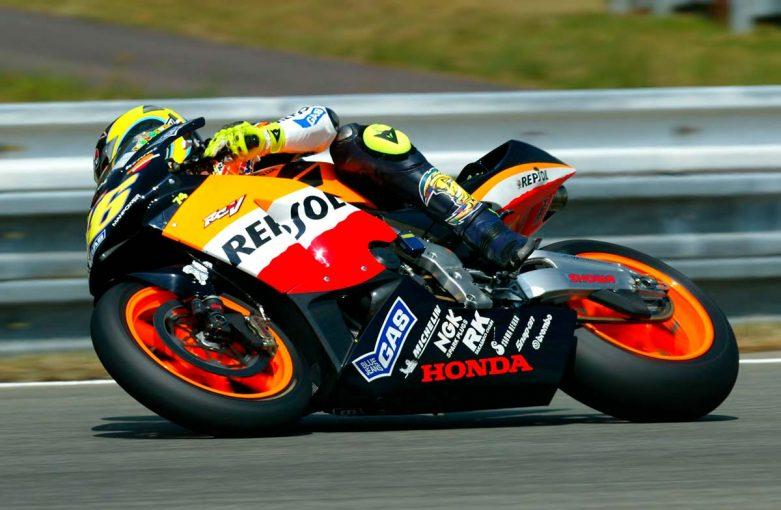 MotoGP   MotoGPの軌跡(1):環境性能へ配慮し2ストロークから4ストロークマシンへの移行した2002年