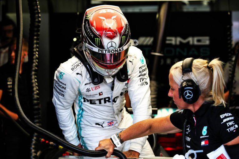 F1 | ハミルトンとボッタスがレーシングスーツをオークションに出品。売り上げはNHS支援のチャリティへ