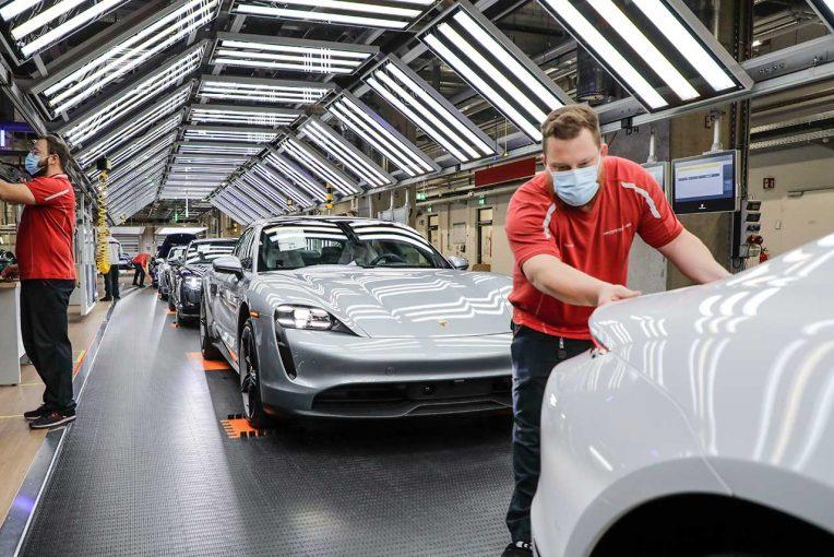 クルマ | ポルシェ、5月4日からドイツ本国の工場稼働を再開。段階的にフル稼働を目指す
