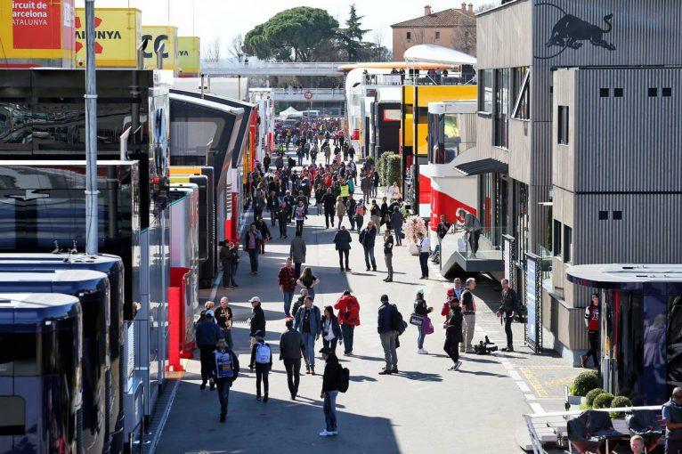 F1 | F1、新型コロナ対策でモーターホームの代わりにテントを使用。燃料やタイヤの受け取り方法も変化