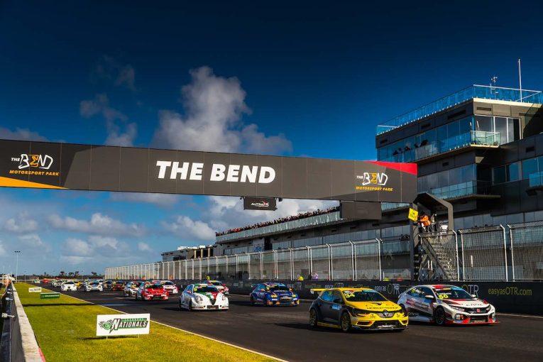 海外レース他 | TCRオーストラリア:6月開幕戦は再延期。ルノーのモファットはBoPテスト参加計画を告白
