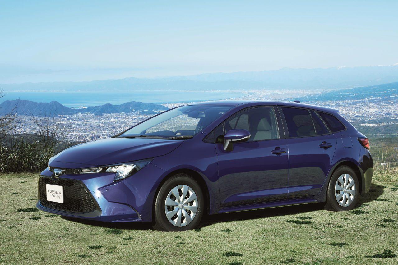 『トヨタ・カローラ』特別仕様車が発売。『ツーリング』には2Lエンジン搭載の500台限定車も
