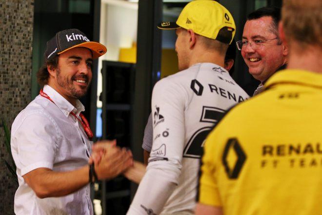 2019年F1アブダビGP ルノーチームを訪問したフェルナンド・アロンソ