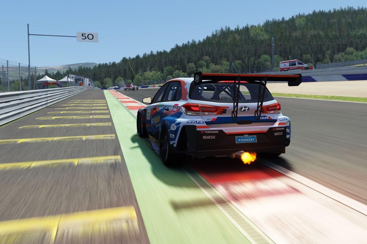 『TCRヨーロッパSIM Racing』第2戦はWTCR経験者が躍動。ナジーが開幕3連勝をマーク