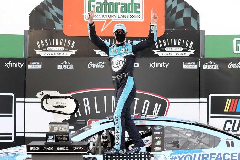 海外レース他 | NASCAR:約2カ月ぶりにシリーズ再開。無観客&ドライバーもマスク着用の厳戒態勢初戦はフォードに軍配