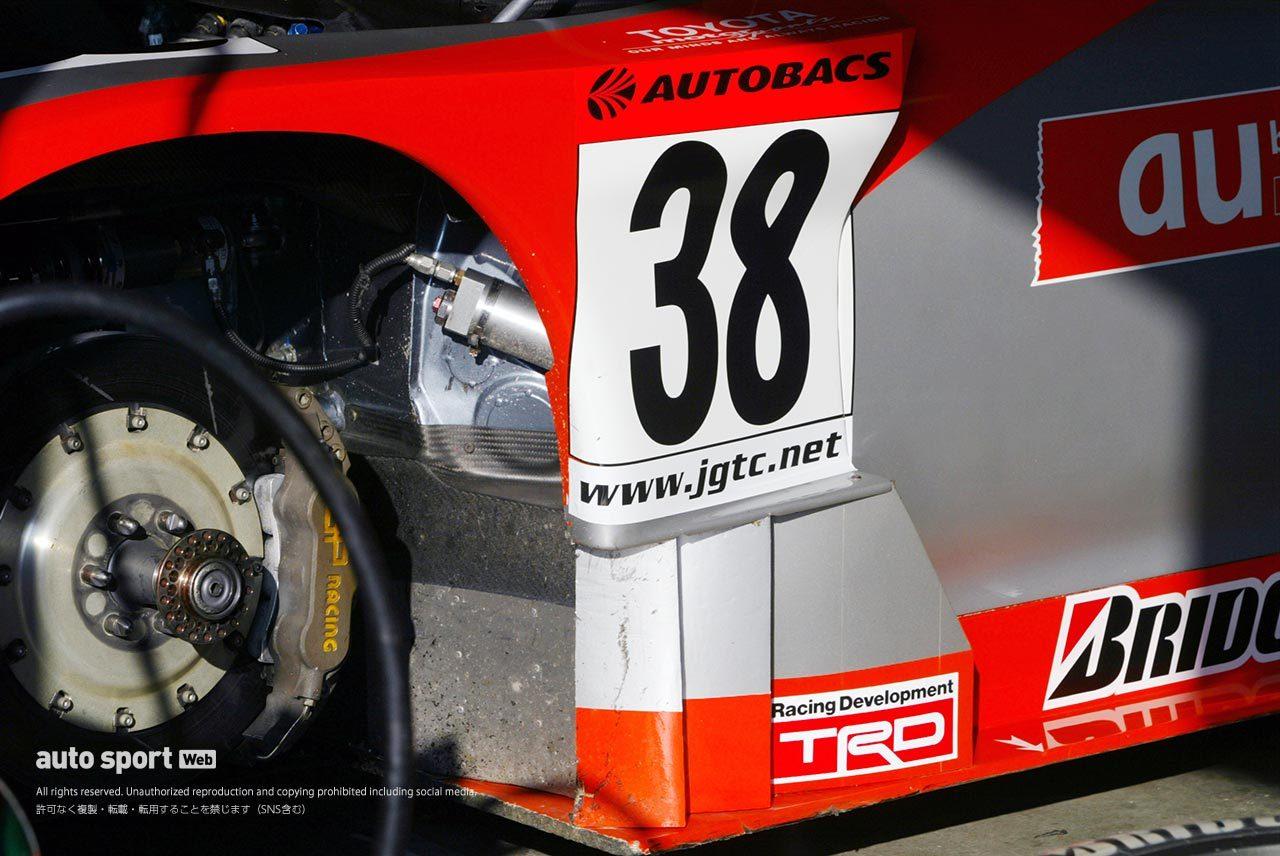 2003年JGTCトヨタ・スープラのタイヤハウス