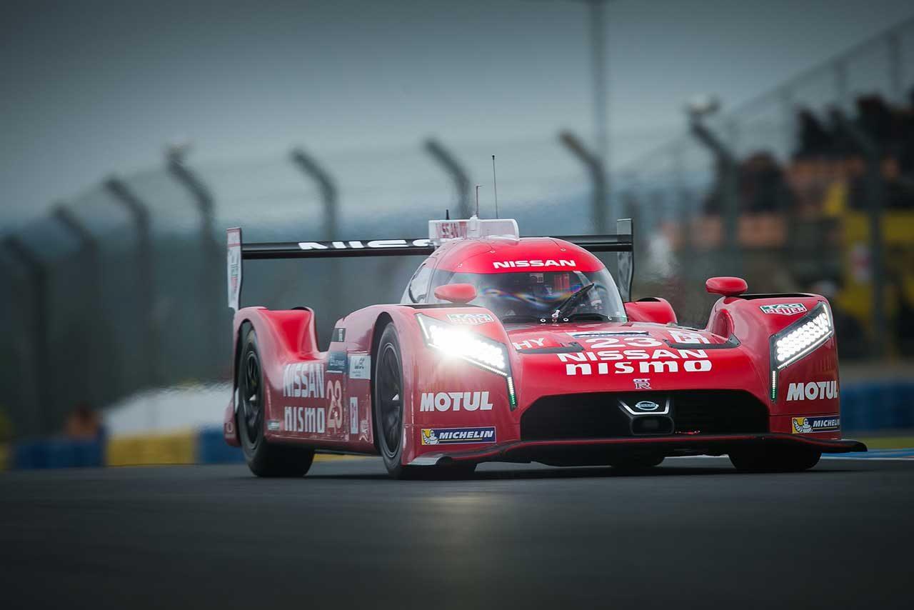 2015年ル・マン24時間レースを戦うニッサンGT-R LMニスモ