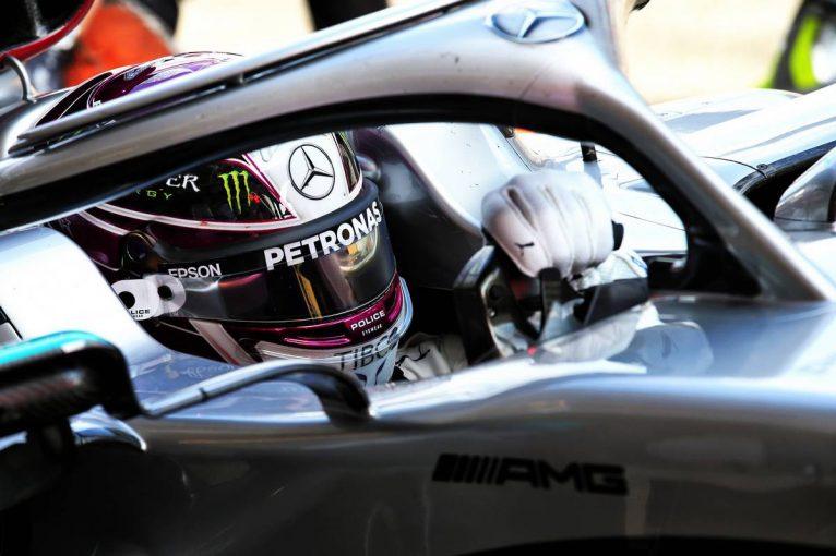 F1   「このままレースを続けるべきなのか」F1王者ハミルトンを襲ったモチベーション維持への不安
