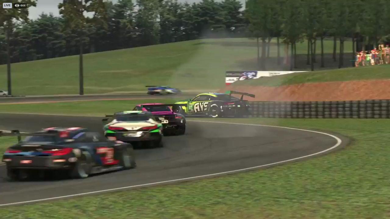 フォードGTがBMWとの一騎打ち、波乱の終盤バトルを経て初優勝/IMSA iRacing Proシリーズ第5戦