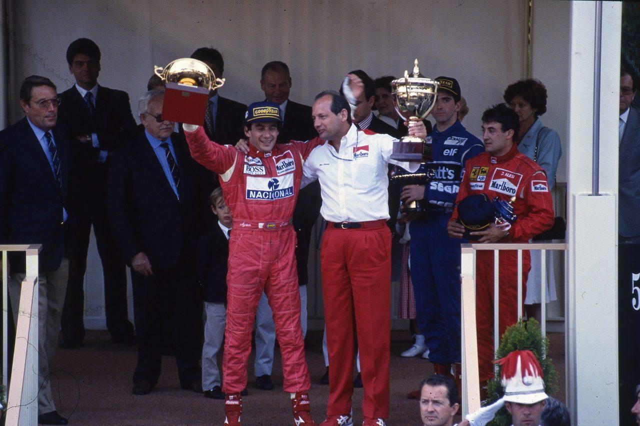 1993年F1モナコGP 表彰台のアイルトン・セナ(マクラーレン)