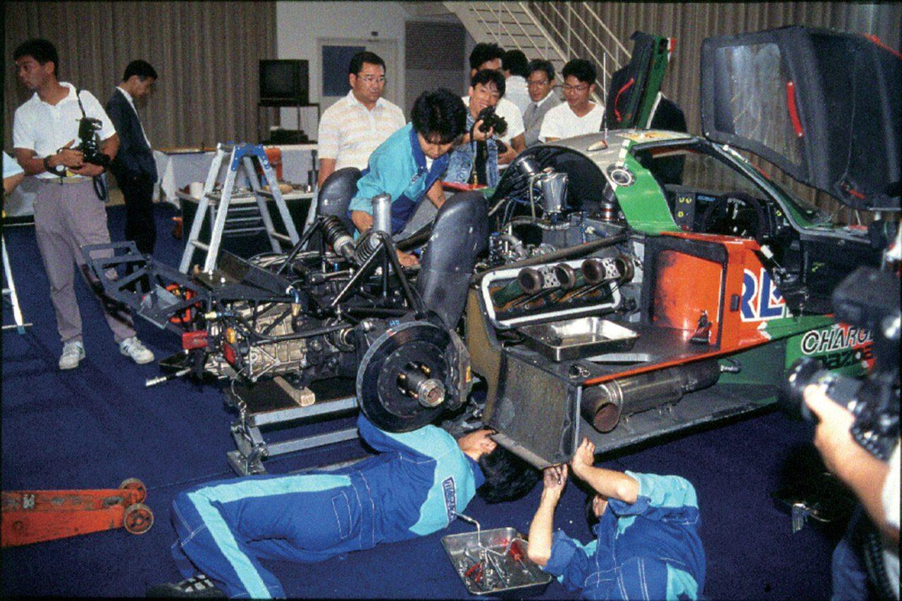 ル・マン24時間で優勝した『マツダ787B』のエンジンを分解。前代未聞の解体ショー顛末記