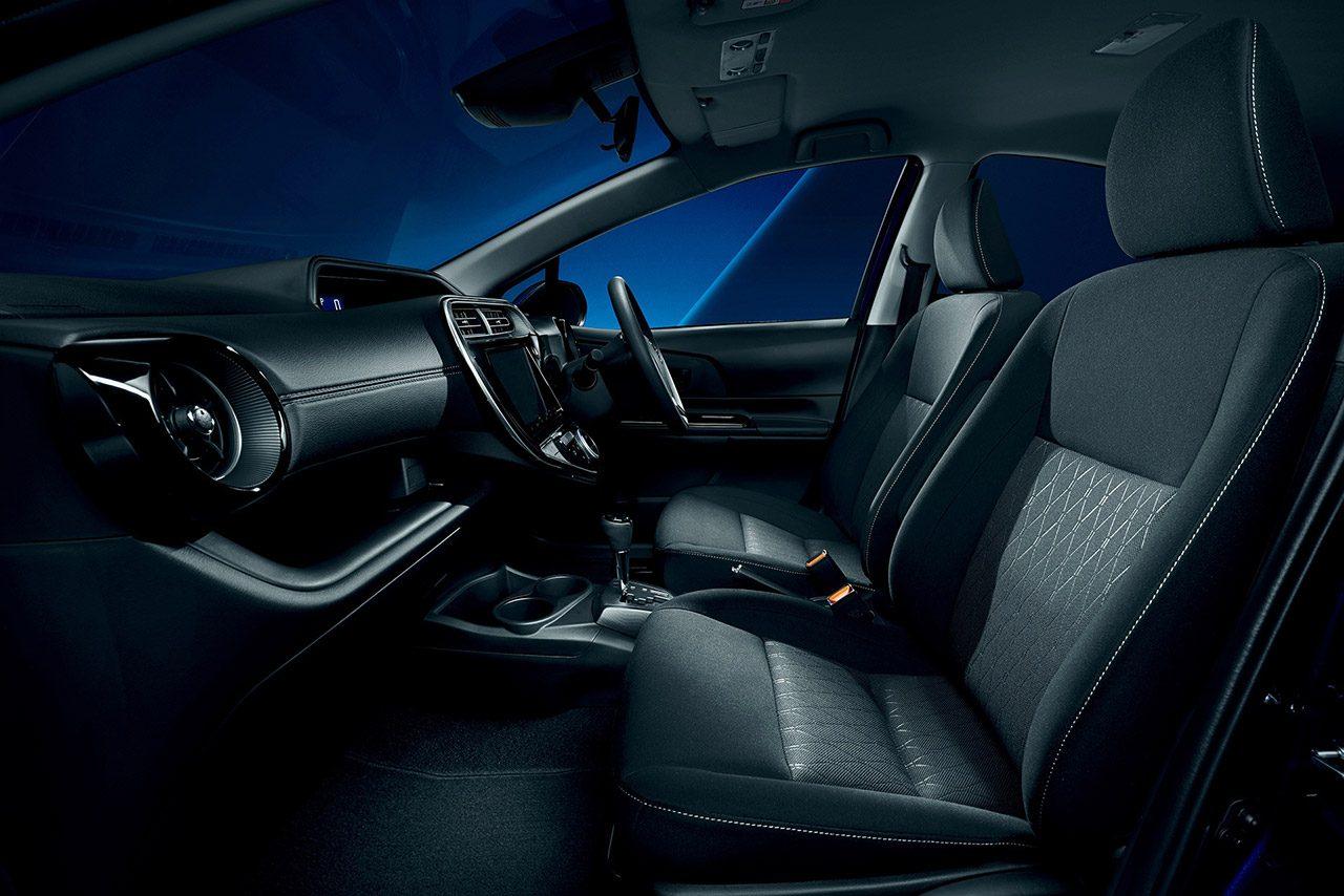 トヨタ・アクアの特別仕様車にパノラミックビューモニターが追加。駐車時の安全確認をサポート