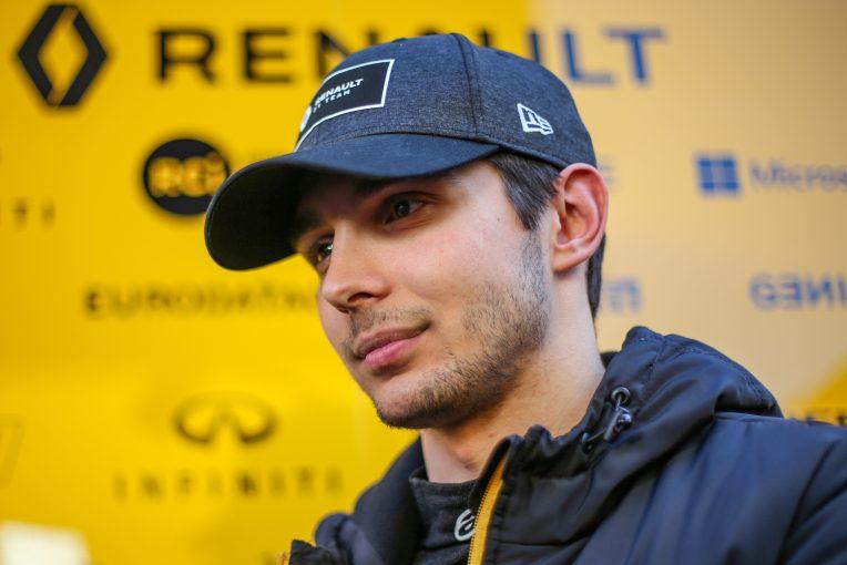F1 | オコン、3週連続開催での疲労を懸念も「どんな犠牲を払ってもレースをしたい」