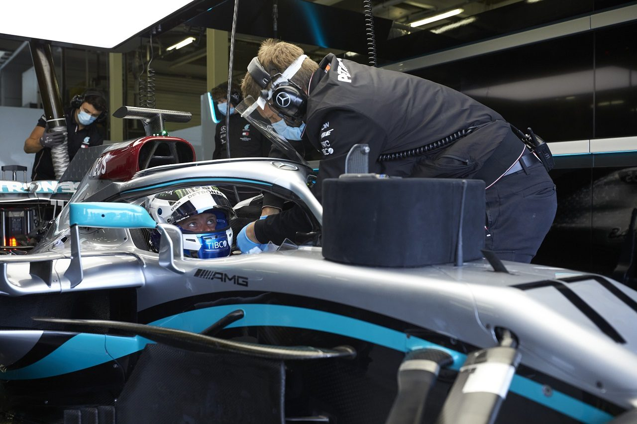 Photo of 【動画】メルセデスF1のプライベートテストでボッタスが走行。シーズン開始に備え、新たな安全対策の予行演習   F1   autosport   オートスポーツweb