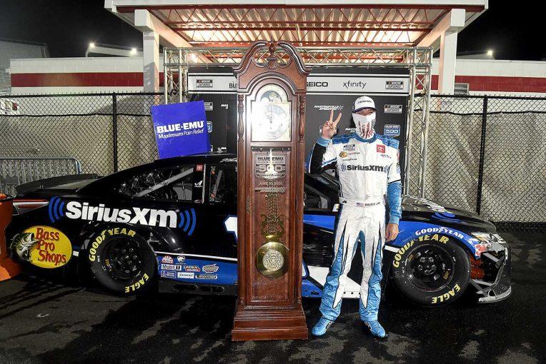 海外レース他   NASCAR:マーティンズビル初のナイトレースでトヨタのトゥルーエクスJr.が2020年初優勝