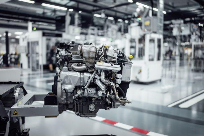 メルセデスAMGがF1のMGU-H技術を次世代モデルのエンジンに導入