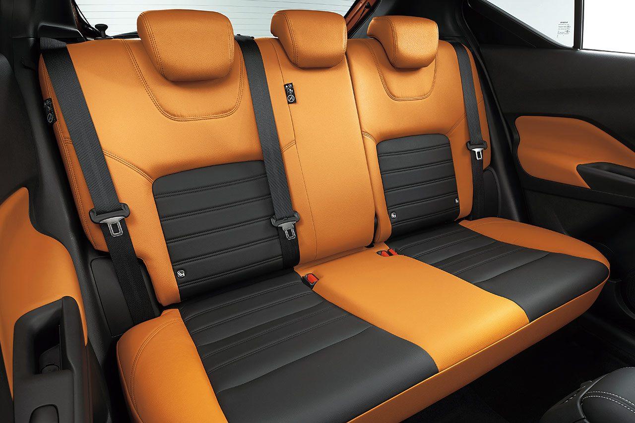 キックスの後席。クルムも「GOOD!」を出す広さを確保。頭上スペースは85mm、ニールームは600mm。 | ニッサン10年ぶりの新車種。ミハエル・クルムも太鼓判を押すコンパクトSUV『キックス』発表の画像・写真(12) | autosport web