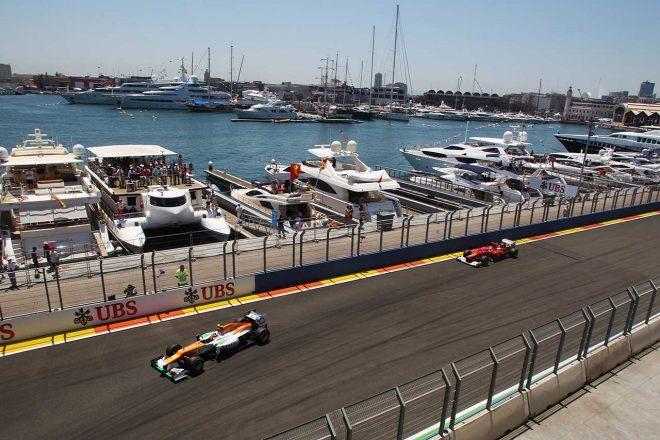 コースはかつてボートレースのアメリカズカップが行われたマリーナ・エリアに位置する