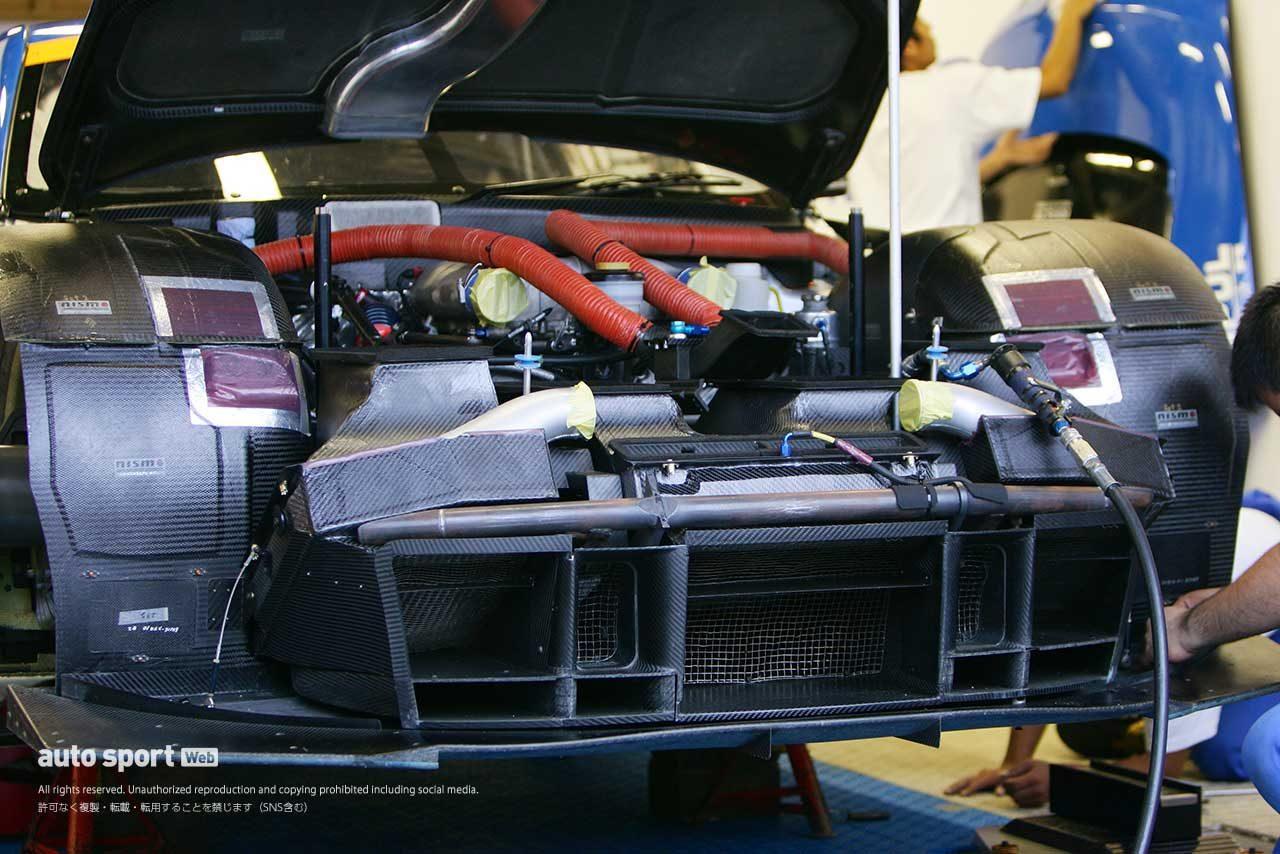 フロントバンパーを外した2004年GT500フェアレディZの姿