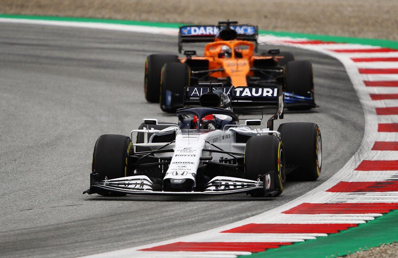 2020年F1第1戦オーストリアGP金曜 ダニール・クビアト(アルファタウリ・ホンダ)とカルロス・サインツJr.(マクラーレン)
