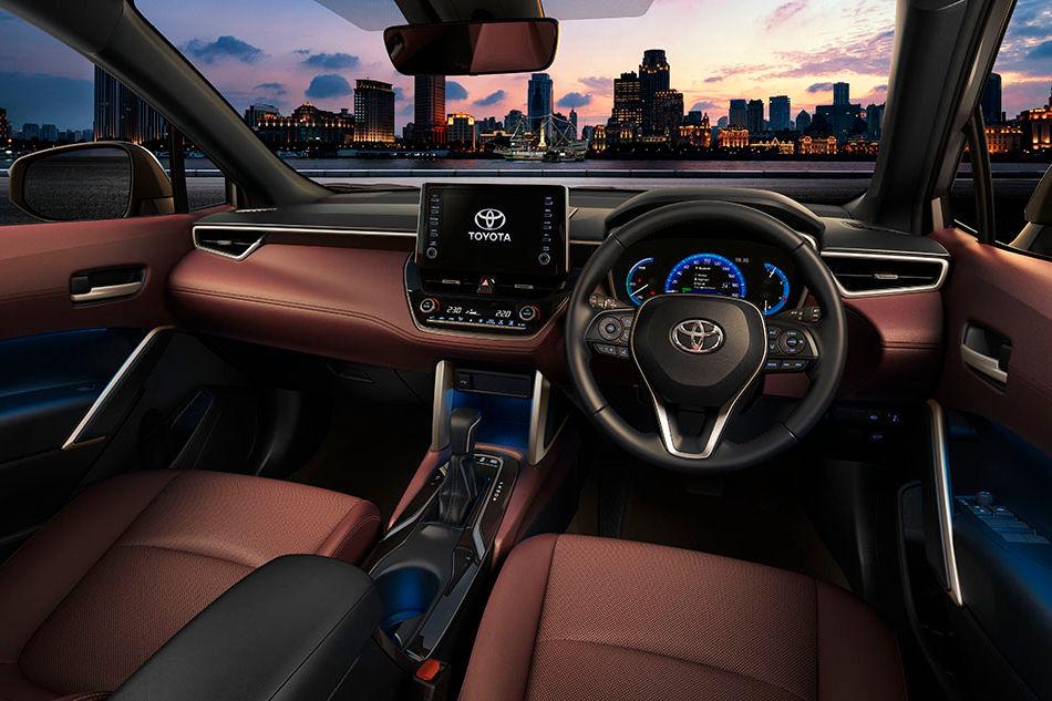 カローラシリーズにコンパクトSUVが新登場。トヨタ『カローラ クロス』世界初公開
