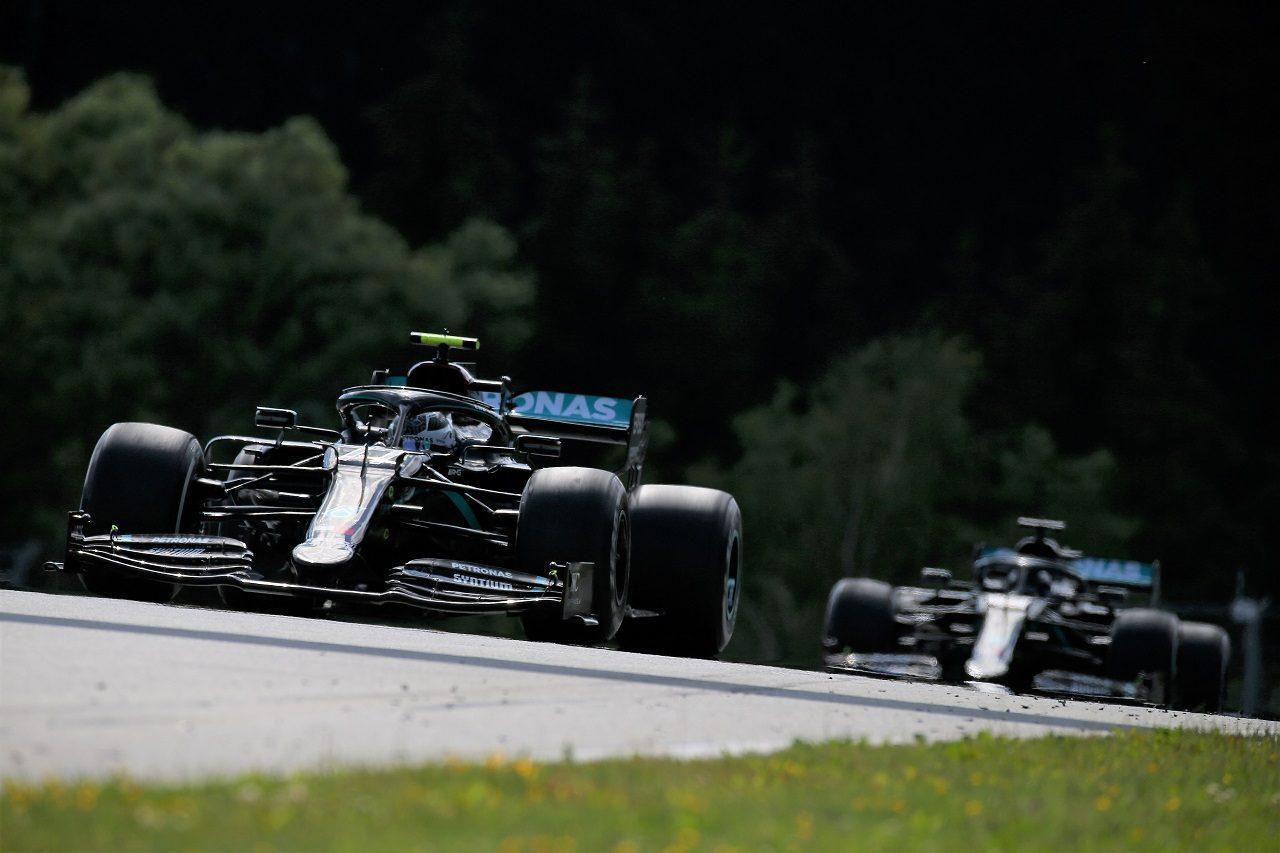 2020年F1第1戦オーストリアGP バルテリ・ボッタスとルイス・ハミルトン(メルセデス)