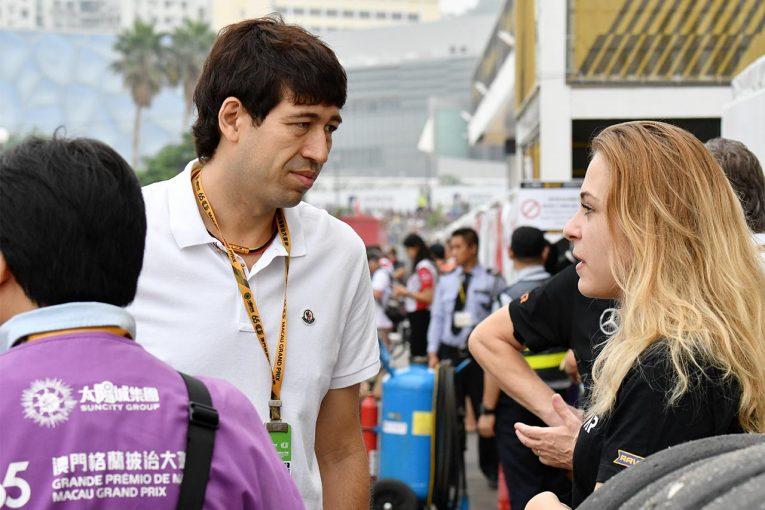 F1 | F1、スーパーGT等実況のサッシャが新型コロナウイルス感染を報告。関係者から快癒を願う声