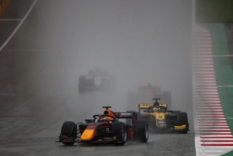海外レース他 | FIA-F2第2戦オーストリア レース1:角田裕毅がデビュー2戦目で2位表彰台。1秒差を制したシュワルツマンが初優勝