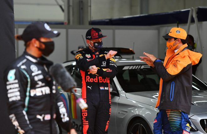 2020年F1第2戦シュタイアーマルクGP予選トップ3のルイス・ハミルトン(メルセデス)、マックス・フェルスタッペン(レッドブル・ホンダ)、カルロス・サインツJr.(マクラーレン)