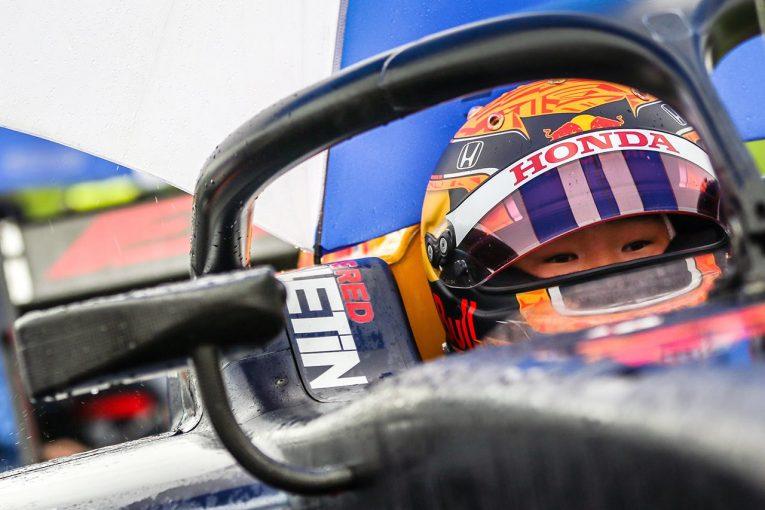 海外レース他 | 痛恨のピットミスで2位の角田裕毅「メカニックを責めるつもりはない。無線が壊れて焦ってしまった」【FIA-F2第2戦レース1】