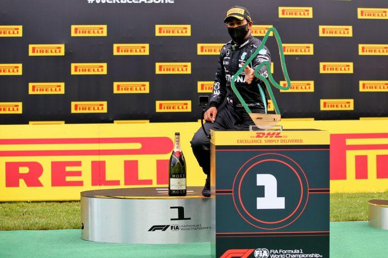 F1 | ハミルトン、問題を乗り越えて勝利「楽ではなかった。レッドブルに用心しなければならない」メルセデス【F1第2戦決勝】