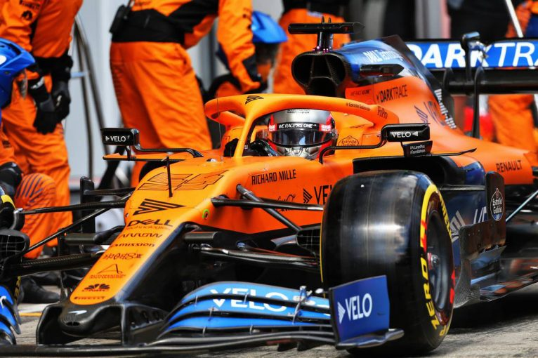 F1 | マクラーレンF1代表、タイヤ交換時のミスを謝罪「渋滞のなかに送り出すことになってしまった」