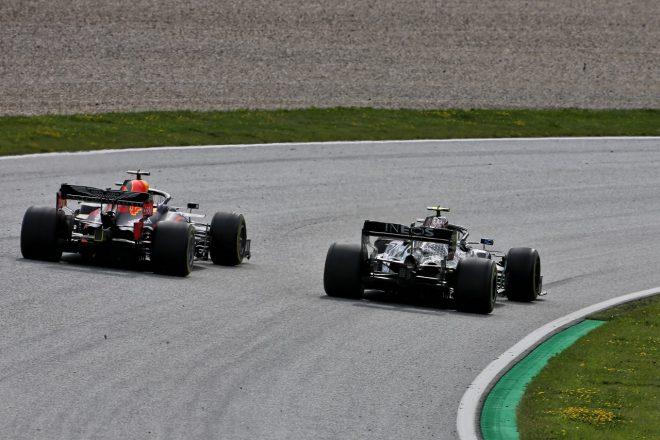 2020年F1第2戦シュタイアーマルクGP マックス・フェルスタッペン(レッドブル・ホンダ)とバルテリ・ボッタス(メルセデス)