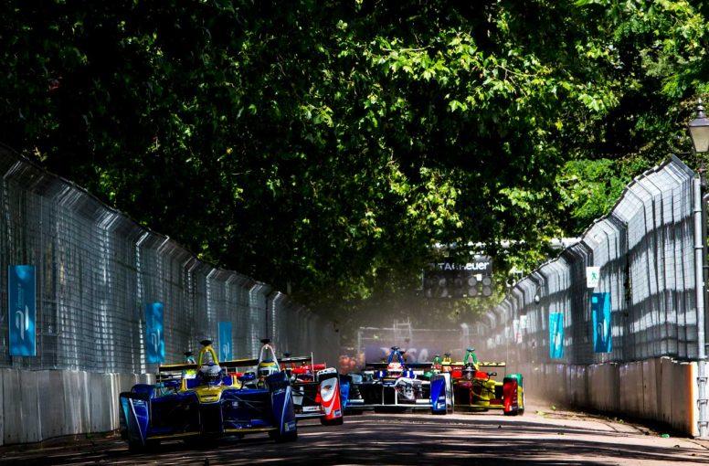 コラム | 2016年ロンドンe-Prix、初めての電気自動車レースは退屈でも、今後に期待【日本のレース通サム・コリンズの忘れられない1戦】