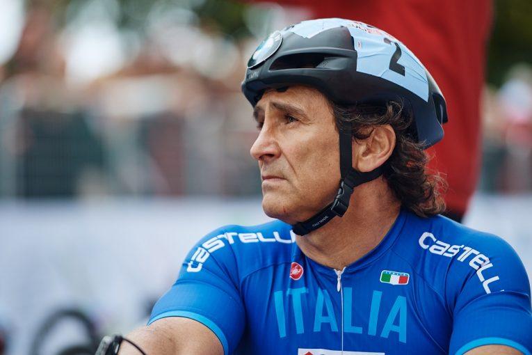 F1   ハンドサイクル事故で療養中のザナルディ、身体と神経が安定状態に。自宅近くの病院へ転院