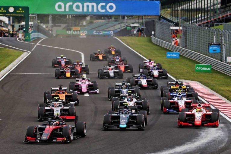 海外レース他   FIA-F2第3戦ハンガリー レース1:角田と松下が接触。シュワルツマンが戦略を活かし2勝目