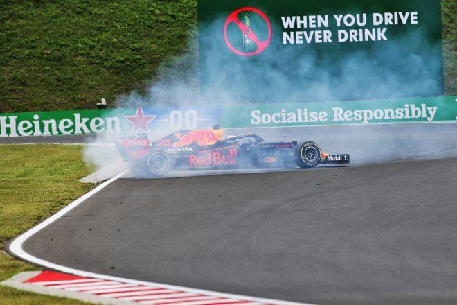 2020年F1第3戦ハンガリーGP土曜FP3でマックス・フェルスタッペン(レッドブル・ホンダ)がスピン