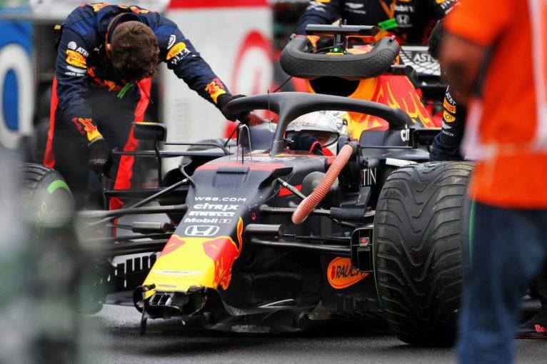 F1 | 【動画】ノーカットで見る20分間。レッドブルのメカニックが見せた驚速「左前サスペンション修復」の一部始終