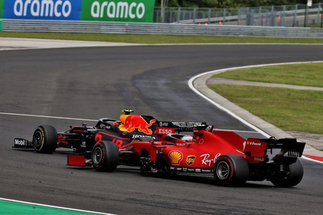 2020年F1第3戦ハンガリーGP決勝 アレクサンダー・アルボン(レッドブル・ホンダ)とシャルル・ルクレール(フェラーリ)がバトル