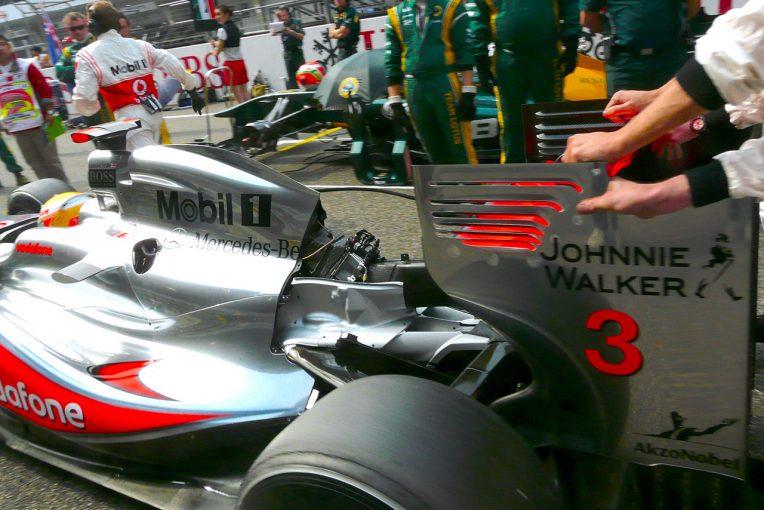 F1 | フェルスタッペンのスタート直前の窮地。かつてはバリチェロもハミルトンも……【F1記憶に残る逆転劇(1)】